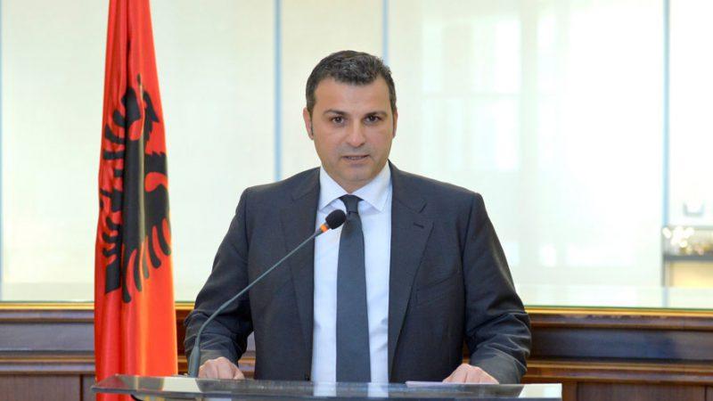 """Forumi """"EuroMoney""""/ Sejko takim me zyrtarë të BERZH, fton investitorët në Shqipëri"""