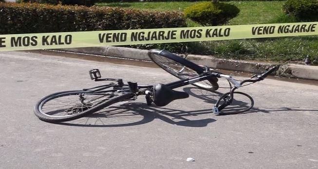 Makina përplas 35-vjeçarin me biçikletë në Korçë