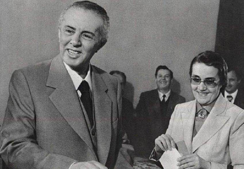 Nexhmije Hoxha mbush 98 vjeç, ja si duket ajo sot (FOTO)