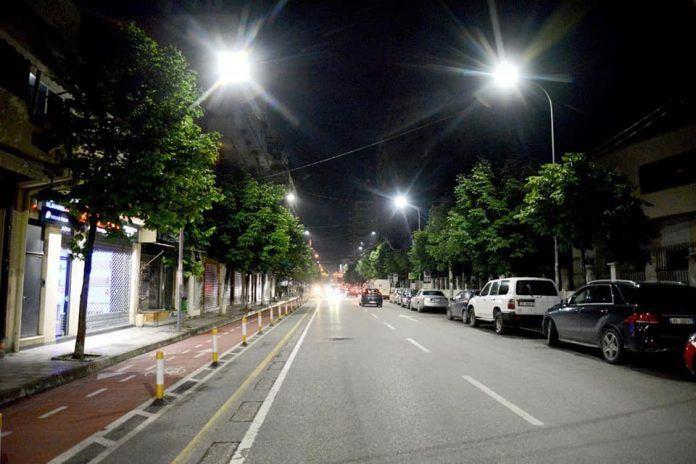 Ndriçimi LED  bashkia investon në  Rrugën e Barrikadave