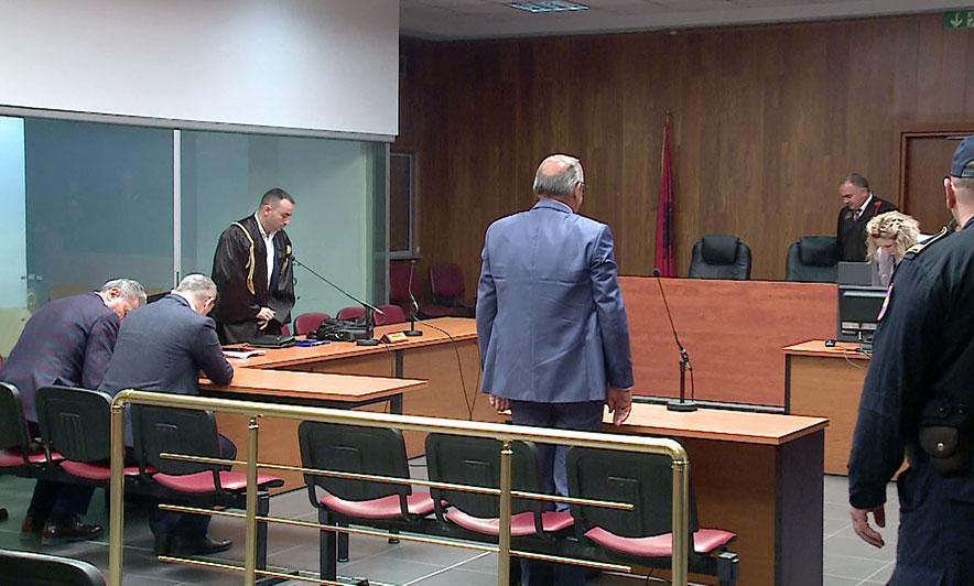 Akuza për korrupsion  Shtyhet gjyqi i treshes së gjyqtarëve të Durrësit