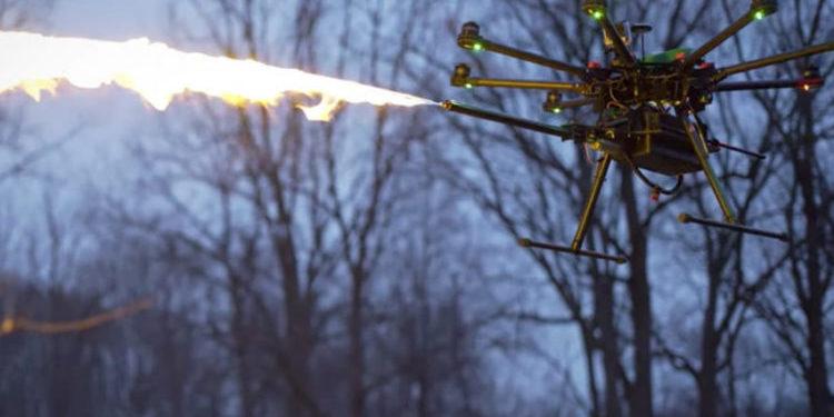 Del së shpejti në treg droni flakëhedhës (VIDEO)