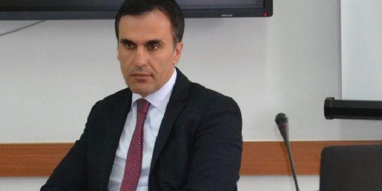 Konfirmohet në detyrë kandidati për kryeprokuror, Olsian Çela