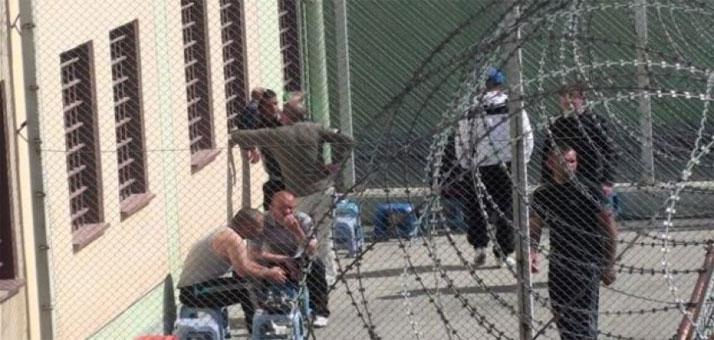 Të paraburgosurit tek 302-shi futen në grevë urie, bëjnë publike 8 kërkesat