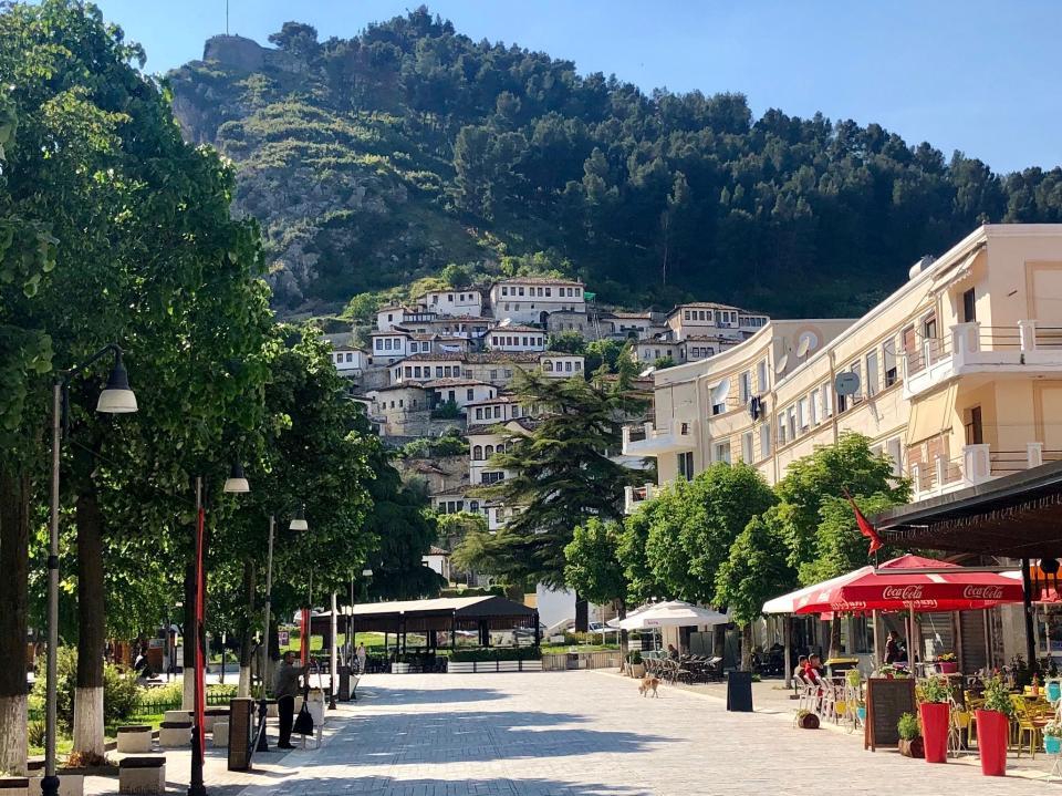 """""""Shqipëria po shndërrohet në një destinacion të turizmit kulinar"""", Rama publikon reportazhin e """"Welt.de"""": Vendi i pazbuluar i Evropës"""