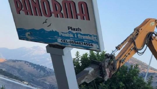 Tmerroi turistët/ Fadromat e IKMT shembin restorantin e Mihal Kokëdhimës në Porto Palermo