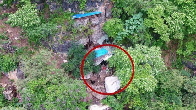 I arratisuri nga burgu fshihej në shpellë për 17 vite, por dronët e policisë i zbulojnë vendndodhjen