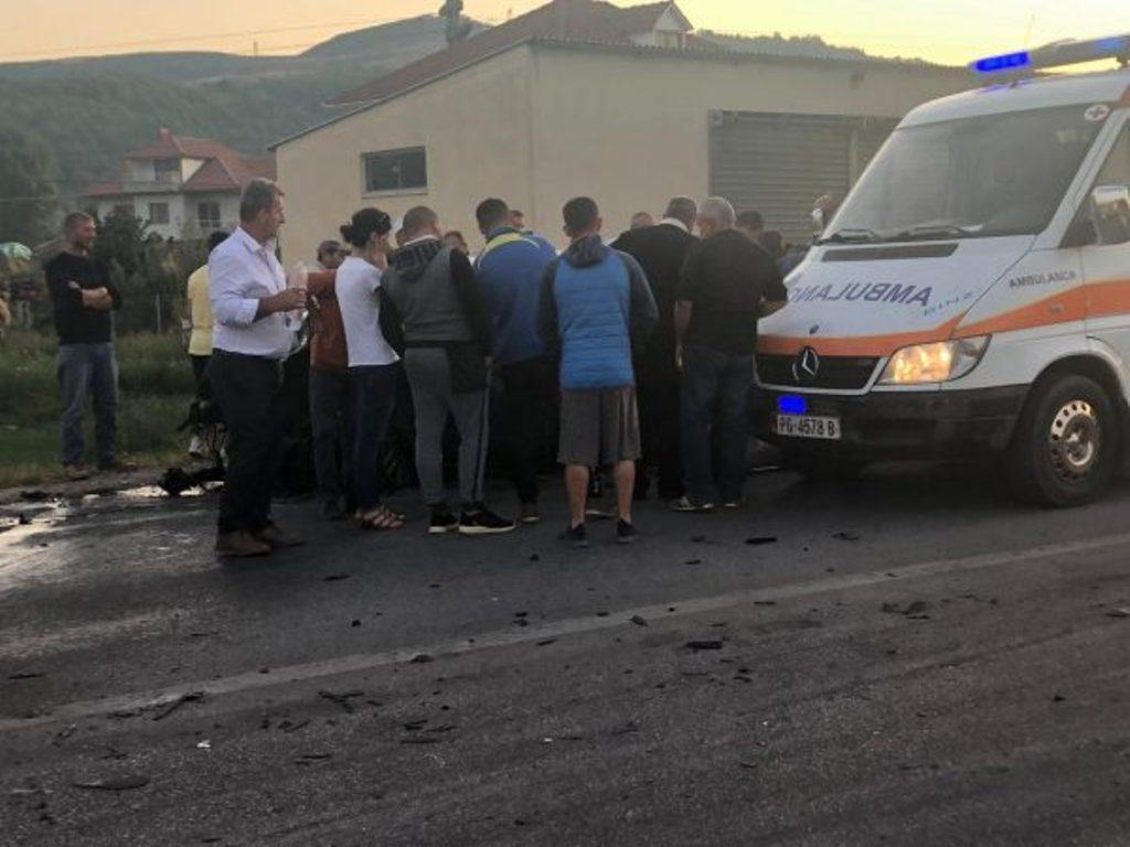 Po shkonin në shkollë, makina përplas tre nxënës në Lushnje