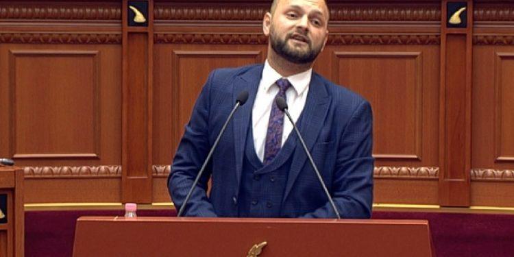 Halit Valteri: Nuk ju vjen keq për të mjerën Shqipëri, edhe derrin e bëni të skuqet