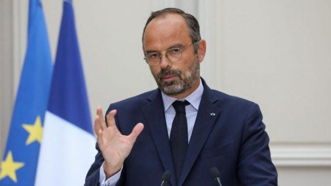 Franca zbut qëndrimin, rregulla të reja për lehtësimin e emigracionit ekonomik