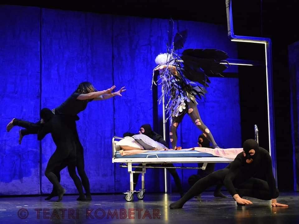 Engjëjt e Amerikës   vepra teatrit bashkëkohor deri të dielën tek  ArTurbina