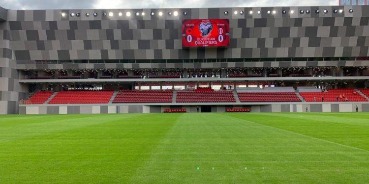 """""""U kry"""", Rama publikon pamjet e Stadiumit të ri Kombëtar: Ta gëzojnë brezat (Foto)"""