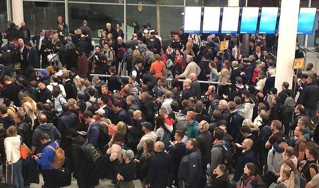 Tension në aeroportin e Amsterdamit, dyshohet se është marrë peng një avion me pasagjerë