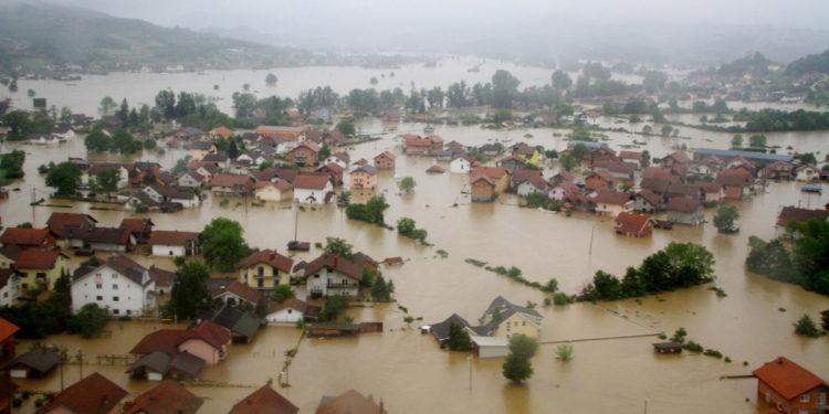 Moti i keq përfshin Europën. Përmbytje në disa vende, veriu i Spanjës mbulohet nga bora