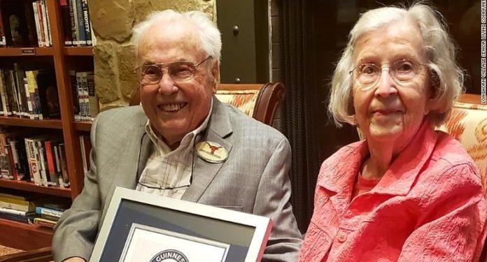 """Çifti amerikan hyn në """"Guinnes"""": Sekreti që na ka mbajtur 80 vite së bashku"""