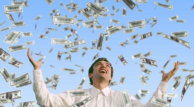Fitoi 1 milion dollarë në lotari, burri nuk shkon të marrë çmimin, paratë pritet të…