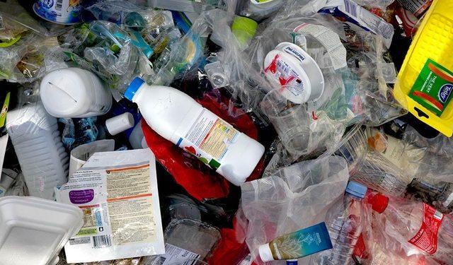Mbeturina të hedhura në rrugë, Zvicra propozon 3.600 euro gjobë për shkelësit