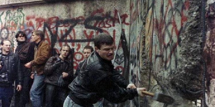 Kur gjermanët bënin historinë, ne bënim mitingje solidariteti