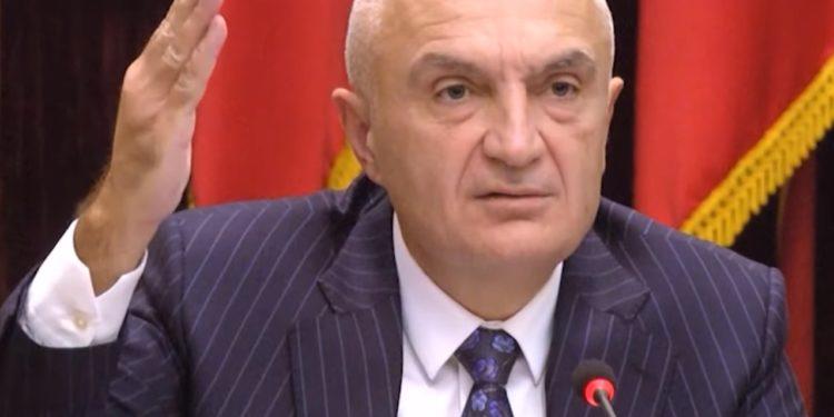 """""""Shqiptarët kanë vetëm tre rrugë nëse këta marrin Kushtetuesen"""", Meta përmend edhe armët"""