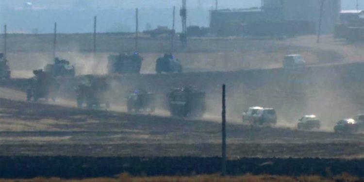 Kufiri/Trupat ruse dhe turke patrullojnë në pjesën verilindore të Sirisë