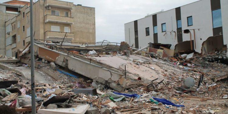 Post tërmet/Do vinë ekspertë amerikanë për dëmet