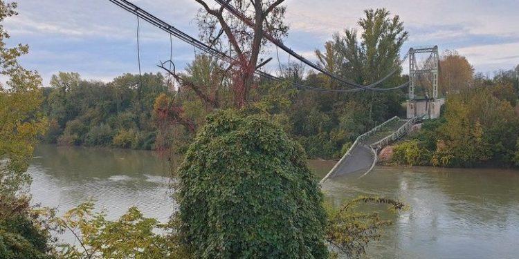 Momente tmerri/ Shembet ura në Francë, 1 i vdekur dhe 9 të zhdukur