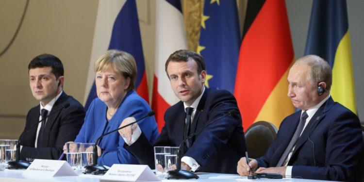 Merkel e Macron pajtojnë Rusinë dhe Ukrainën, bien dakord për armëpushimin dhe shkëmbimin e të burgosurve