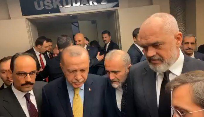 Erdogan: Brenda një viti, gati 500 banesat për familjet e prekura nga tërmeti
