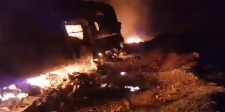 Autobusi shkrumbohet nga flakët, të paktën 13 të vdekur