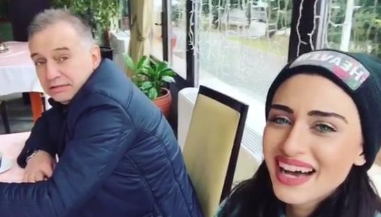 """""""E pive jetën me një kupë! Nuk le asnjë sekondë pa jetuar plotësisht"""", moderatoja shqiptare humb njeriun e dashur"""
