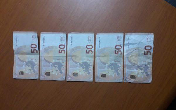 Euro të falsifikuara/ Arrestohet 19-vjeçari në Lezhë që donte të blinte cigare