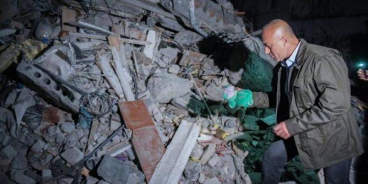 Tërmeti / Haradinaj: Kujdes! Dikush po i mashtron të ardhurit nga Shqipëria
