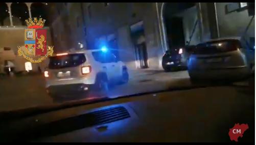 VIDEO/ Policia i zbrakoi te pallati, shqiptari fut kokainën në reçipetat e gruas: E fshehu nga paniku, është e imja