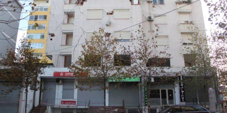 Specialisti: Ju rrëfej 8 arsyet pse u dëmtuan pallatet në Durrës me një eksperiment