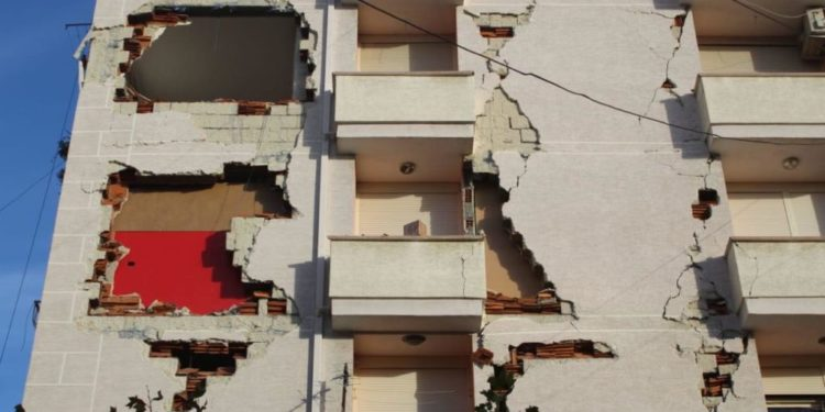 Solidariteti/ 50 psikologë nga Kosova ikin në zonat e prekura nga tërmeti