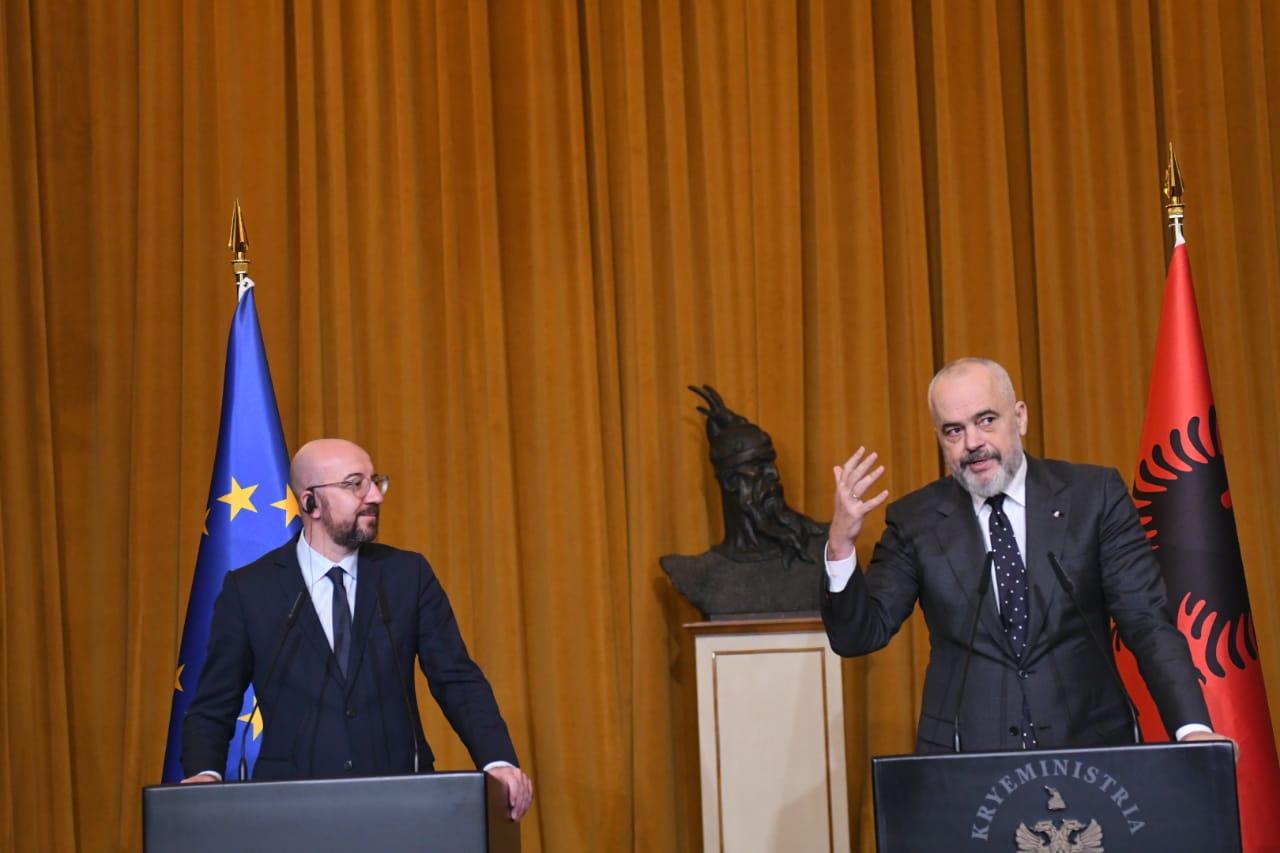 Negociatat/ Rama: Nëse Franca të kërkonte të futej në BE nuk do pranohej, gati për të hedhur hapin kundër KÇK-së