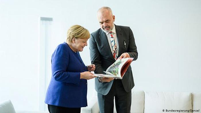 Negociatat dhe ndihma për tërmetin/ Rama 'fluturon' të hënën drejt Berlinit, takohet me Merkel